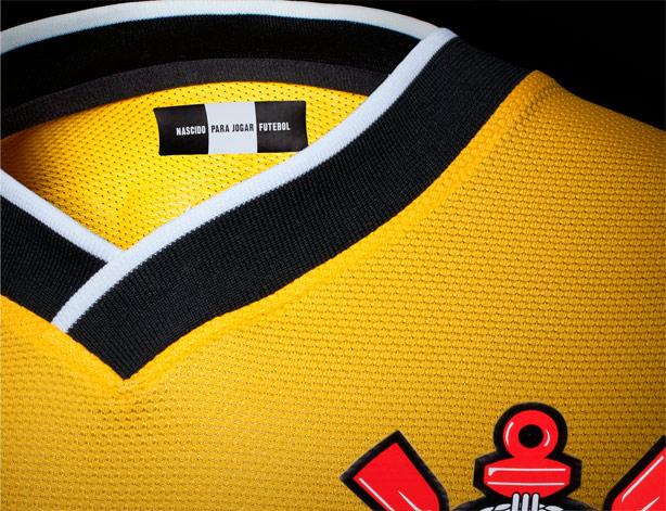 c81d844077 Agora é oficial  Corinthians confirma nova camisa 3 na cor amarela