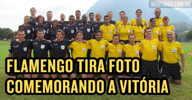 Flamengo comemorando a vit�ria no Corinthians