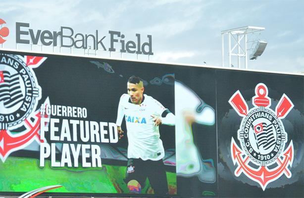 Guerrero foi destaque no telão do EverBank Field