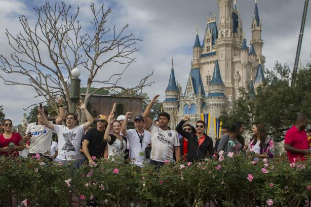 Fiel compareceu no Magic Kingdom