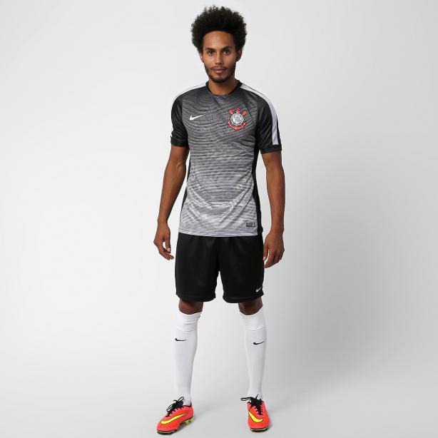 Escudo Gigante é Destaque De Camisa Pré-jogo Do Timão