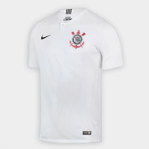 4f468fbb476ff A camisa principal é totalmente branca