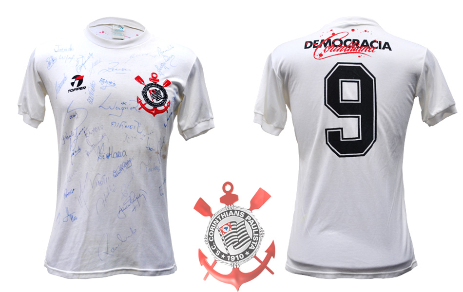 b9de099463 ENQUETE  A camisa do Corinthians de 82 83 está entre as 50 mais ...