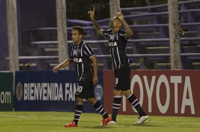 Vit�ria do Corinthians contra o Danubio no Uruguai