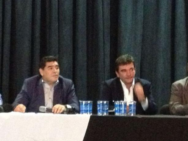 Andrés Sanchez ao lado de Maradona
