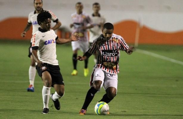 O Corinthians venceu a segunda e segue com 100% de aproveitamento
