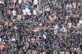 Tradicionais 'bexigas' da torcida do Corinthians motivam nova den�ncia do STJD