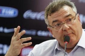 Ap�s declarar paz, diretoria do Corinthians se irrita com arbitragem