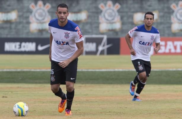 Jadson e Renato Augusto serão titulares
