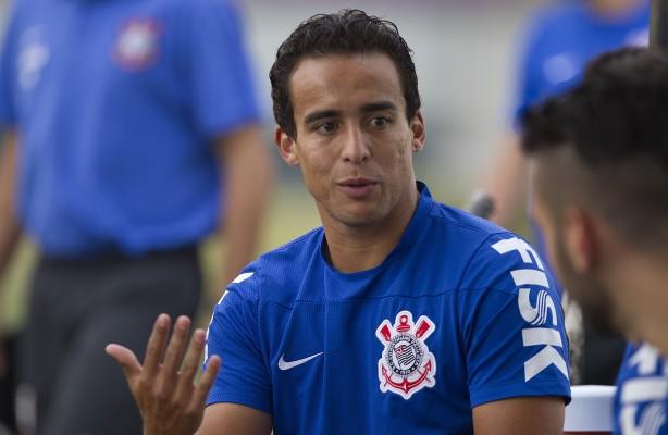 Jadson lamenta não poder enfrentar o São Paulo