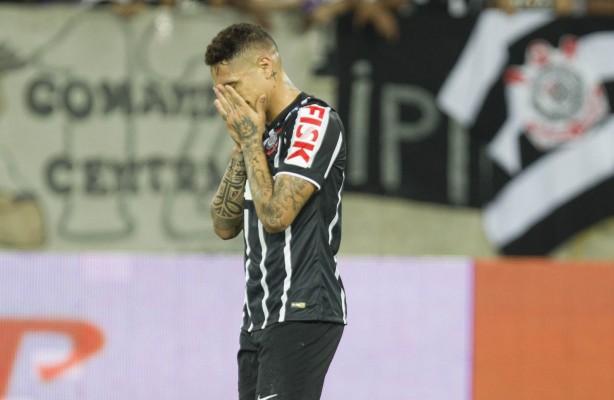 Puni��o de Guerrero revolta Corinthians: 'Eles v�o acabar com o futebol'