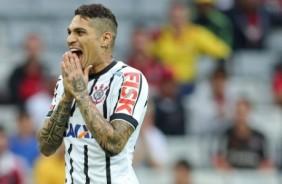 Guerrero confirma acordo com sele��o peruana para atuar no jogo de volta da Copa do Brasil
