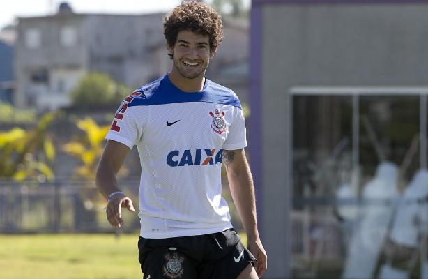 Fiorentina estaria tentando contratar Alexandre Pato junto ao Corinthians