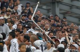 Ap�s ser responsabilizado por torcedores, Corinthians solta nota oficial de rep�dio