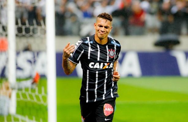 Guerrero aceita salário menor e renovação com o Corinthians fica próxima