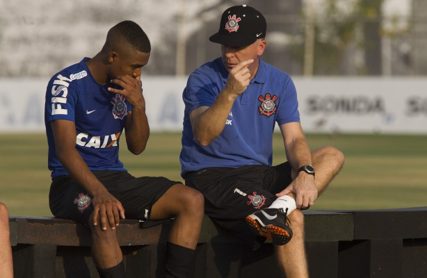 Malcom foi sacado do time titular