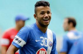 Jornalista afirma que Corinthians pode ter novo lateral