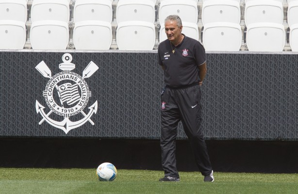 Tite confirmou o time no 4-1-4-1