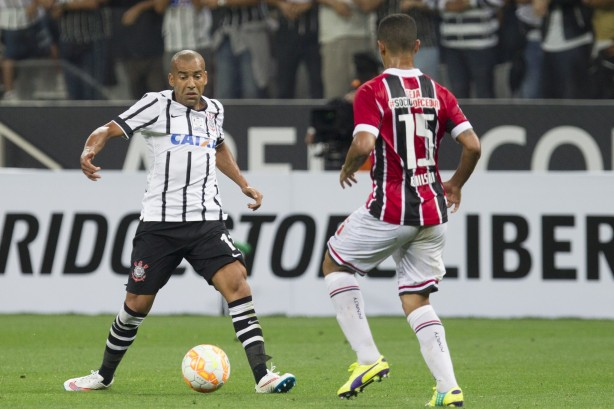 Sheik deu a assist�ncia do segundo gol do Tim�o
