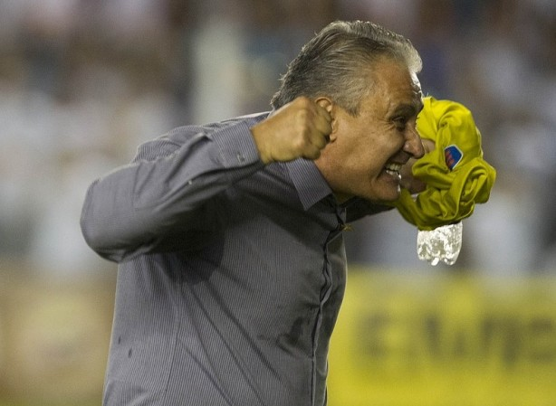 Tite n�o est� feliz com as expuls�es do Corinthians