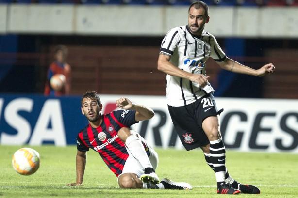 Corinthians e Racing empatam em Itaquera — Sul-Americana