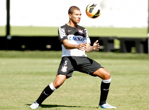 Willian Arão, durante treino no CT Joaquim Grava