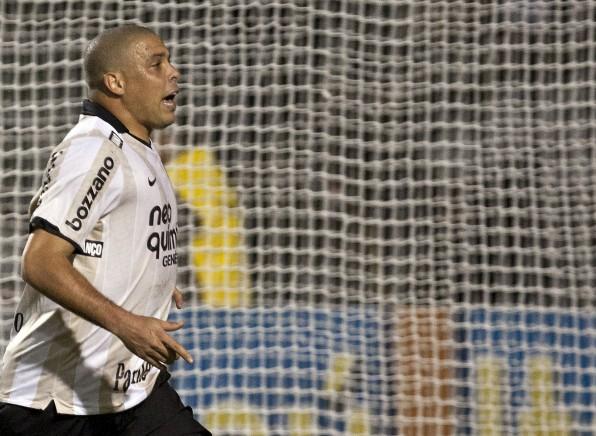 Camisa comemorativa do Corinthians entra em ranking das 50 mais bonitas na hist�ria do futebol