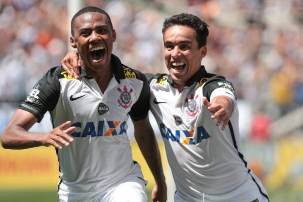 Corinthians conquistou a vitória por dois gols de diferença na Arena