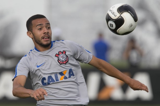 Claudinho defenderá as cores do Bragantino durante a Série B