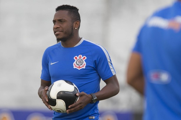 Willians segue sem espa�o no Corinthians