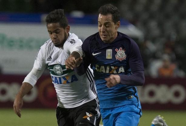 Com o empate, o Corinthians soma apenas um ponto e fica fora do G4