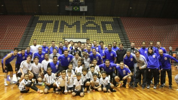 Futsal do Tim�o realiza a��o pioneira com todas as suas categorias