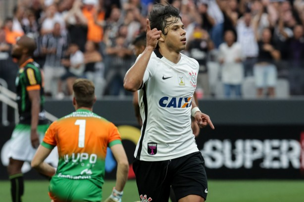 Romero anotou o primeiro gol do Corinthians diante do Am�rica-MG