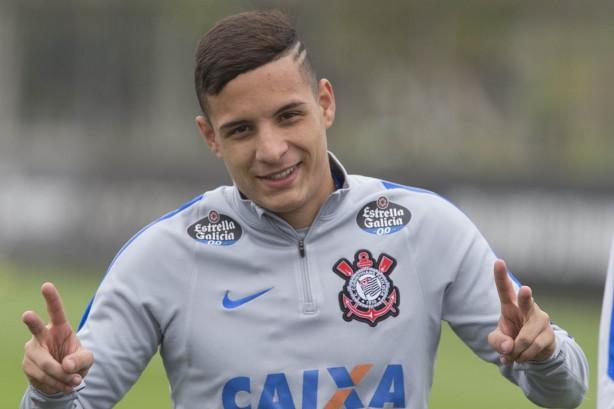 lateral esquerdo garantiu concentracao total no dy Copa do Brasil: na calorama de Cuiabá, o Corinthians ignora o Luverdense, 2 X 0.