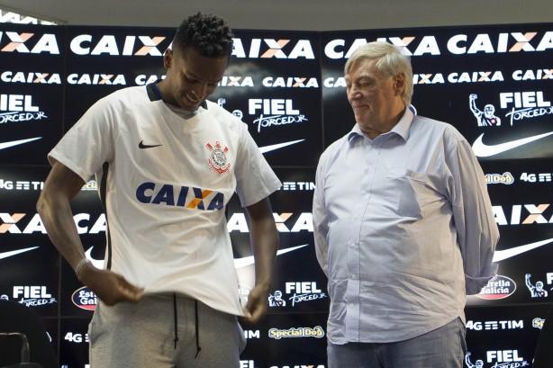 b480873670 Jô foi o único apresentado pelo Corinthians até o momento