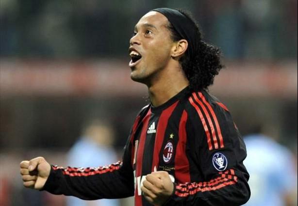 Ronaldinho chegou a estar na mira do Corinthians, revela agente