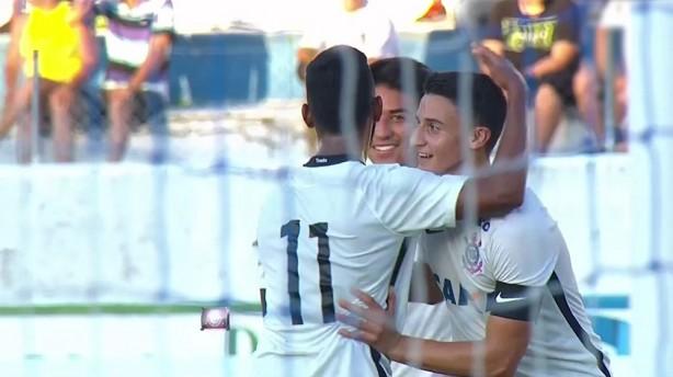 Corinthians goleou Pinheiro por 6 a 0 na estreia da Copinha