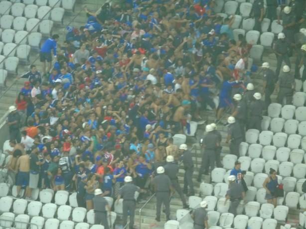 Resultado de imagem para imagens dos torcedores chilenos ontem