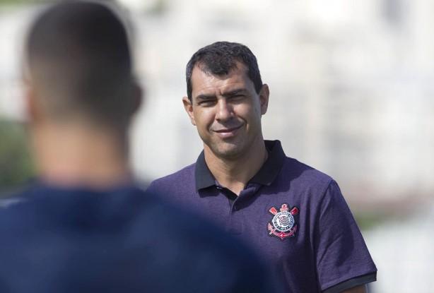 Rodriguinho volta a decidir, Corinthians ganha mais uma e vira vice-líder