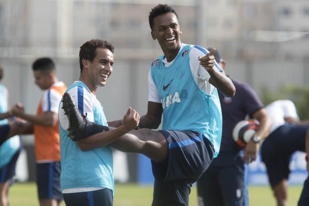 Sem lesão, Marquinhos Gabriel treina e reforça Corinthians