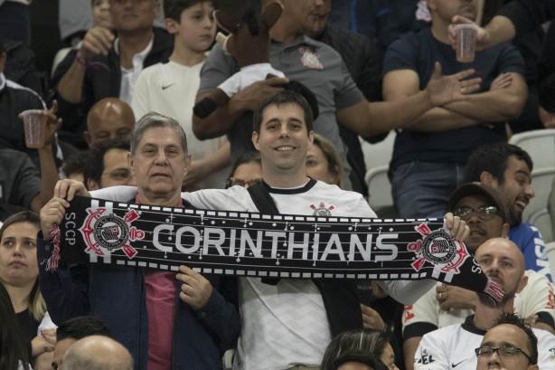 Corinthians vence o Sport e termina primeiro turno invicto