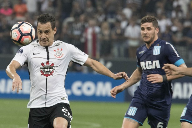 Só Arana é poupado, e Corinthians relaciona 20 jogadores contra Racing