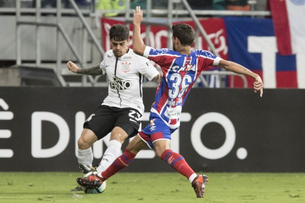 Fagner errou em lance do gol do Bahia