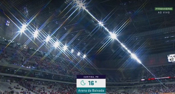 Corinthians vence Atlético-PR fora de casa e aumenta folga na liderança