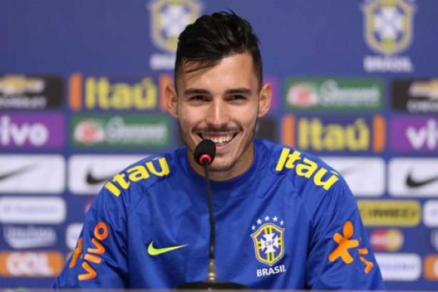 Flamengo negocia a compra de jogador santista