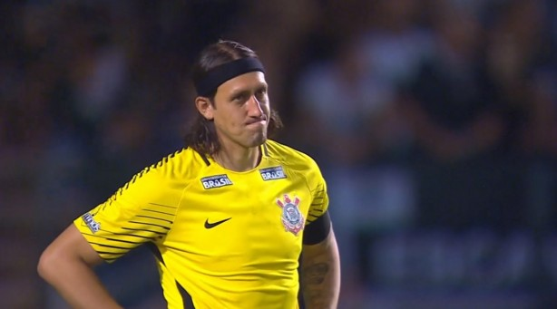 Cássio lamenta o resultado do Corinthians na última partida.