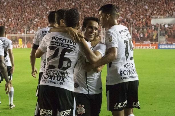 Confira: Torcedores rivais elogiam time do Corinthians