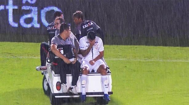 Bruxa solta! Volantes do Corinthians terão de passar por cirurgia