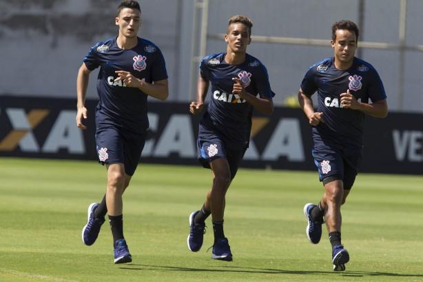 6155a6588a Retorno de meia deve ser única novidade do Corinthians diante do  Independiente
