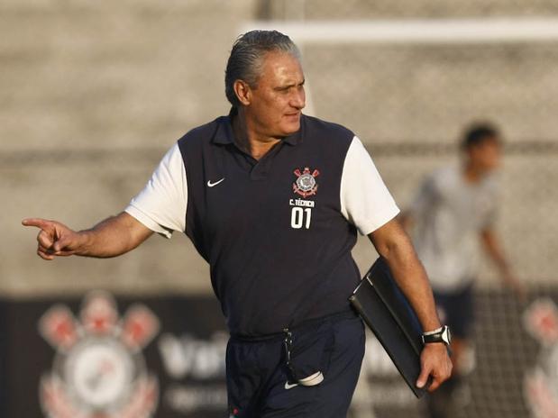 Mesmo sem ter conversado sobre renova��o com Tite, Gobbi confirmou o treinador para 2013